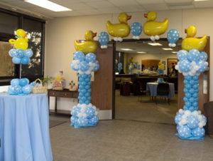 Baby-Shower-Balloon-Set-up-1