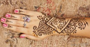 henna-tattoo-on-arm-and-hand